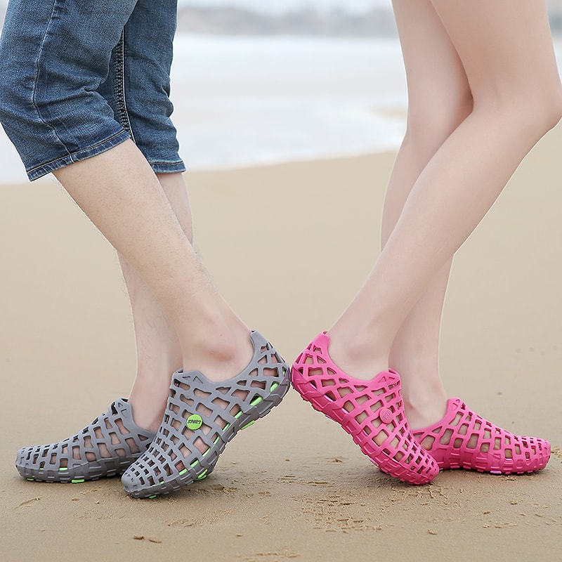 Summer Men's & women's Breathable Slippers Shoes Hollow-out Hole Sandals Beach Shoes